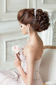 We have collected wedding ideas based on the wedding fashion week. Look through our gallery of wedding hairstyles 2020 to be in trend! Wedding Hairstyles For Long Hair, Formal Hairstyles, Bridal Hairstyles, Updo Hairstyle, Hairstyle Ideas, Wavy Wedding Hair, Wedding Updo, Wedding Bride, Wedding Hair Inspiration