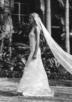 Handmade withover 2.8m of the finest silk chiffon, this stunning veil is simply breathtaking and perfect for our unique bride wanting to make a statement on her wedding day. Gabriela creates a stunning effect when you walk, with it's length and softness; the perfect veil for understated glamour. Wear on its own or with our …