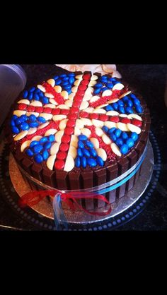 Union Jack cake!!! Bloody awesome- I'm gonna make one for my bday!