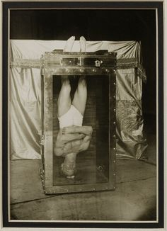 Illusion is the first of all pleasures. ~ Voltaire / Harry Houdini, upside down in his Water Torture Cell - 1912 Old Pictures, Old Photos, Vintage Photographs, Vintage Photos, Michel Leiris, Vintage Circus, Interesting History, Historical Photos, The Magicians