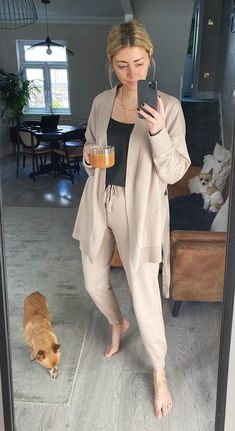 Lazy Day Outfits, Cute Casual Outfits, Cute Lounge Outfits, Nanny Outfit, Comfy Work Outfit, Loungewear Outfits, Home Outfit, Comfy Casual, Look Chic