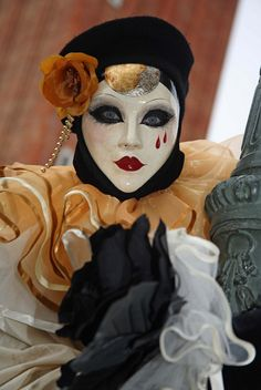 MARDI GRAS MASK, this would be such a cool makeup too!
