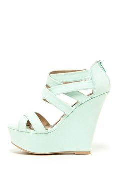 Finder Sandal Wedge - perfect with a nice summer tan and ankle length skinny jeans or shorts.