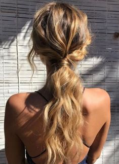 Summer hair inspo: Natural loose curls tied in a low ponytail. Summer hair inspo: Natural loose curls tied in a low ponytail. The post Summer hair inspo: Natural loose curls tied in a low ponytail. appeared first on Summer Ideas. Low Ponytail Hairstyles, Wavy Ponytail, Ball Hairstyles, Summer Hairstyles, Pretty Hairstyles, Hairstyle Ideas, Formal Ponytail, Low Ponytails, Ponytail Wedding Hair