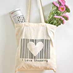 evajeanie and the sewing machiney: I Love Shopping tote bag, a day screen printing Fabric Tote Bags, Canvas Tote Bags, Reusable Tote Bags, Diy Bag Designs, Painted Canvas Bags, Teenage Girl Gifts, Jute Bags, Cloth Bags, Bag Making
