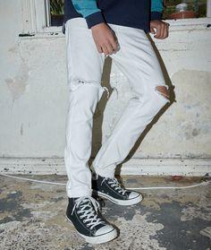 Fresh Light Denim #generalpants #trends #spring #trendhunted #denim #jeans #whitejeans #whitedenim #white