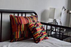 C'est l'hors de mes voyages au Togo que je déniche les tissus dans les marchés vendus par des Nana benz (vendeuses) aux grands sourires généreux puis ensuite je fais coudre ce dont j'ai envie par mon tailleur passionné par son métier. Mon but premier est de favoriser la créativité et Throw Pillows, Bed, Furniture, Home Decor, Alteration Shop, Duvet, Slipcovers, Fabrics, Travel