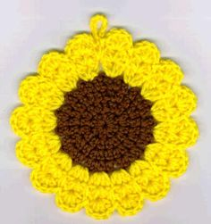 Sunny Sunflower Hotpad. I want to make some of these cheerful sunflowers for my Mummy:)