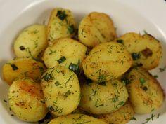 Cartofi+noi+cu+ceapa+verde+si+marar Arabic Food, Potato Salad, Side Dishes, Potatoes, Vegetables, Cooking, Ethnic Recipes, Green, Salads