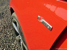 Im Juni waren wir binnen einer Woche 2300 km in Europa auf einem Roadtrip unterwegs und durften diese Zeit mit einem Audi A1 Ambition in Misanorot verbringen. Hier bereits eine Bildergalerie mit einigen Impressionen des Autos, ein Testbericht sowie ein Bericht zu dem Roadtrip folgen und werden an dieser Stelle verlinkt. Audi A1 Heckspoiler Audi A1 in Epernay Audi A1 Lenkrad Audi A1 MMI navigation plus Audi A1 Koferraum Audi A1 s line Badge Google+