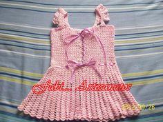 vestido rosa detalhe das costas fechamento com passa fita