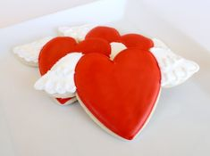 2 TUTORIALS - How to make these soaring heart cookies AND how to 2 heart shaped cookie cutters to make this cookie! smart ideas!!