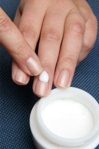 How to moisturize your #nails--discover ways to avoid brittle nails and get some tips to help you moisturize your nails effectively.