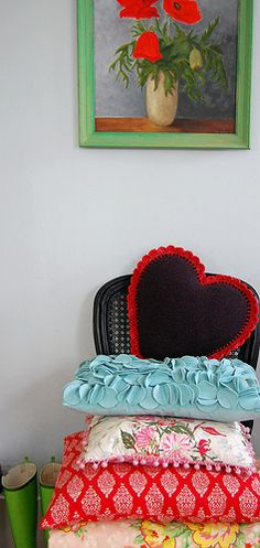 chair-heart-painting vignette...