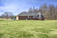 5806 Crystal Lake Dr, Louisville KY 40299 - Photo 2