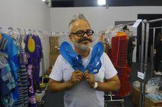Chic e Fashion: Ronaldo Fraga usa sandálias Amazonas em desfile