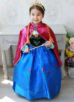 Anna Kleid mit Umhang
