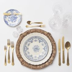 Excited to be heading back to Jackson Hole for a wedding of 430 guests next month! Can't wait to show you which Ralph Lauren inspired tabletop designs we went with. A favorite option, our Walnut Florentine Chargers + White Collection and Blue Garden Collection Vintage China + Chateau Flatware + Czech Crystal/Coupe Trios + Antique Crystal Salt Cellars
