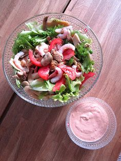 Kääpiölinnan köökissä: Äidin kasvimaalla, raparperin alla Kinds Of Salad, Cobb Salad, Salads, Green, Food, Essen, Meals, Yemek, Salad