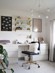 Desk inspiration, ideas and decor | Pretty for teens desks | Home work stations | Desk Organisation | Office Ideas | Rose gold theme