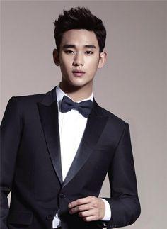 Kim Soo-hyun Classy Hairstyle for Men Trendy Mens Hairstyles, Asian Men Hairstyle, Boy Hairstyles, Haircuts For Men, Men's Haircuts, Hot Korean Guys, Korean Men, Korean Actors, Asian Guys