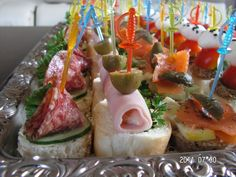 Vendégváró falatok - Hidegtál Chef Food Platters, New Years Eve, Sushi, Ethnic Recipes, Sushi Rolls