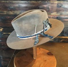 Nick Fouquet hat tomorrow is timeless Hats For Men, Man Hats, Fedora Hats, Old Man Hat, Gentleman Hat, Western Hats, Cow Girl, Leather Hats, Fedoras