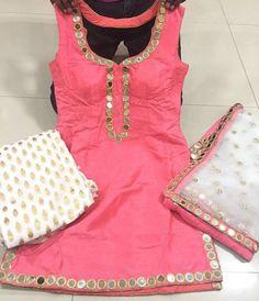 Designer Boutiques in Jalandhar,Punjab,India Patiala Suit Designs, Kurta Designs Women, Blouse Designs, Stylish Dress Designs, Designs For Dresses, Stylish Dresses, Fashion Dresses, Indian Attire, Indian Wear