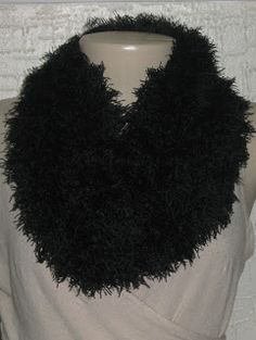 Luz Weber: Gola de tricô com pelos