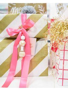 Block bottom paper bags - medium gold stripes Present Wrapping, Gift Wrapping Paper, Wrapping Ideas, Gold Stripes, Stripes Design, Brown Christmas Wrapping Paper, Paper Bags, Medium Bags, Metallic Gold