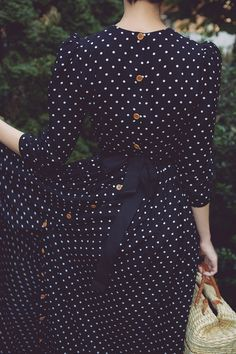 navy polka dot dress with buttons and bow Modest Fashion, Hijab Fashion, Fashion Dresses, Dots Fashion, Fashion Clothes, Dot Dress, Dress Me Up, Dress Long, Navy Dress
