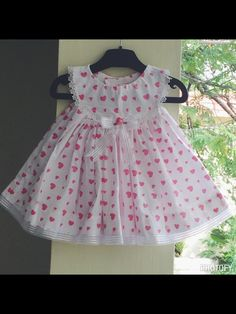 Baby Girl Dress Design, Girls Frock Design, Kids Frocks Design, Baby Frocks Designs, Kids Outfits Girls, Girls Fashion Clothes, Cute Outfits For Kids, Little Girl Dresses, Girl Outfits