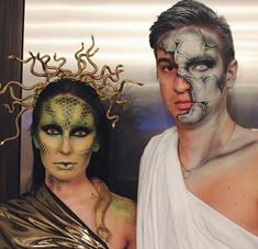 Medusa and Stone Statue Couples Halloween Costume Attending Halloween celebrations with your other half? Here are our favorite couples Halloween costumes for you and your partner. Medusa Halloween Costume, Cute Couple Halloween Costumes, Halloween Tags, Diy Halloween Costumes, Medusa Costume Makeup, Medusa Makeup, Creative Couple Costumes, Couple Costume Ideas, Unique Couples Costumes