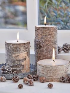 A variation on our all-time favourite birch bark candles, these ones are dusted with a layer of glimmering clear glitter to add a little extra sparkle to your dining table or mantelpiece.