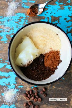 Hjemmelavet bodyscrub med kaffe og kanel