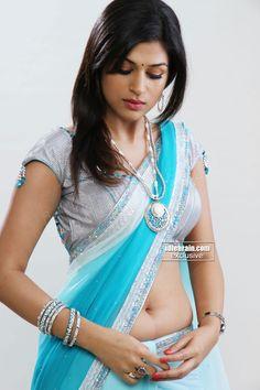 shraddha das sexy navel in saree