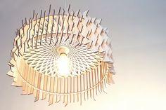 Подвесной светильник Размер: диаметр 60 см Материал: фанера