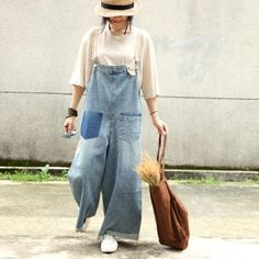 Contrast Colors Loose Wide Leg Jumpsuits Woman Denim Dungarees Contrast color loose overalls with wide leg too too too Overalls Fashion, Overalls Outfit, Denim Fashion, Stylish Outfits, Cool Outfits, Denim Scraps, Denim Dungarees, Recycled Denim, Jumpsuits For Women