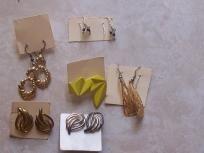 Nice earrings lot 6 pair free shipping $5.00