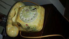 Telefono con rose decoupage