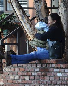 Jennifer Garner takes her daughter Seraphina to get ice cream on January 5, 2017