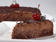 Aprenda a fazer Bolo-mousse de chocolate de maneira fácil e económica. As melhores receitas estão aqui, entre e aprenda a cozinhar como um verdadeiro chef.
