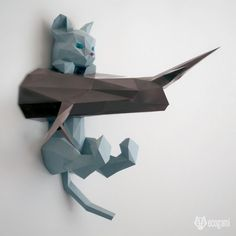 With our papercraft pattern, make your own hanging kitten 3D sculpture