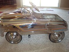 Post up Pedal Cars