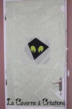 1000 id es sur le th me porte monstre sur pinterest for Idee decoration porte halloween