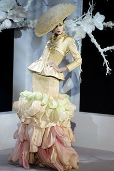 Christian Dior - Haute Couture Spring Summer 2007 - Shows - Vogue.it