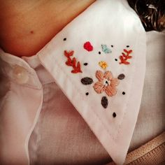 Bordando cuellitoos #bordado #camisas #embroidery https://www.instagram.com/lulianghilante/