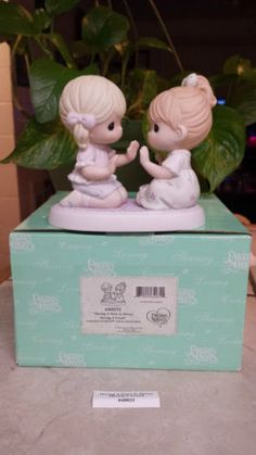"PRECIOUS MOMENTS ""HAVING A SISTER IS ALWAYS HAVING A FRIEND"" 640031 VERY RARE!! in Collectibles, Decorative Collectibles, Decorative Collectible Brands, Precious Moments, Figurines, Other Precious Moments Figures 