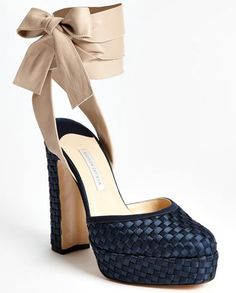 Bionda Castana Pumps. Love
