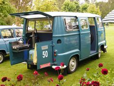 Like the stove on the backdoor. Cooking al fresco. #campervan